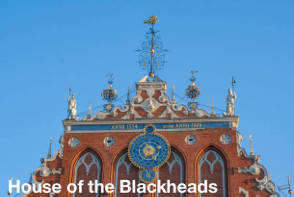 Riga Sightseeing - House of the Blackheads