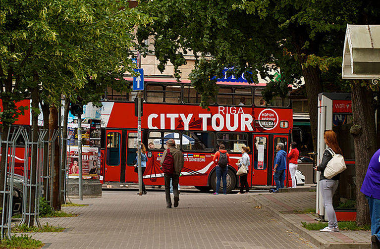 Red Buses Riga - Hop-on Hop-off Sightseeing Bus Tour